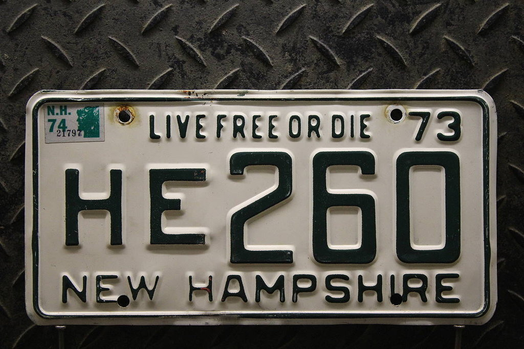 NEW HAMPSHIRE 1973 1974 Oldtimer Nummernschild # HE260 =