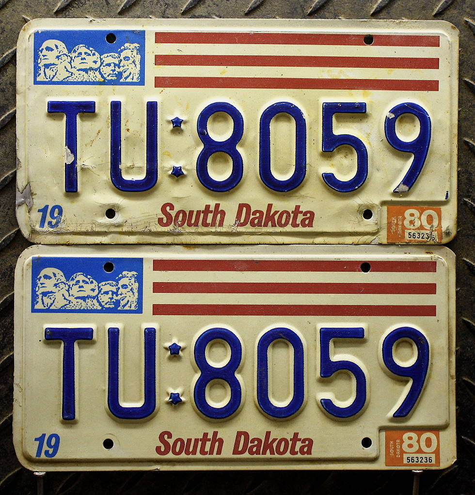 SOUTH DAKOTA Schilder PAAR - Zwei USA Nummernschilder # TU:8059